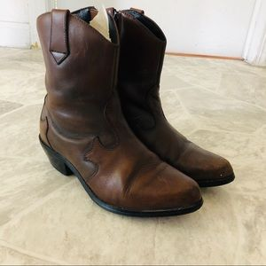 DINGO brown leather ankle cowboy boots size 8